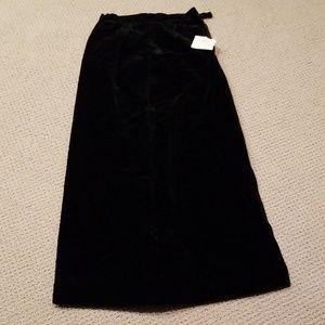 Velvet black long skirt